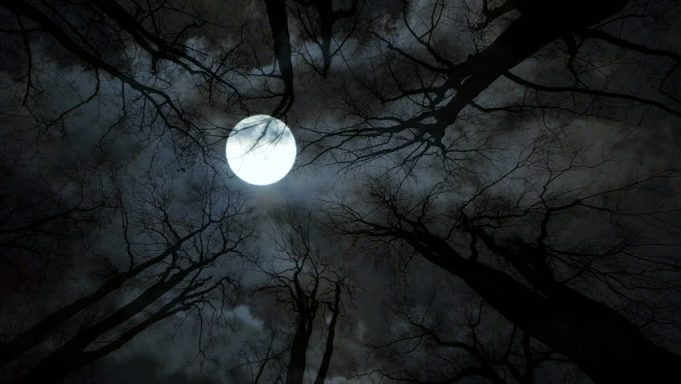 'Spooky' Full Moon to Occur Friday for 1st Time in 13 Years