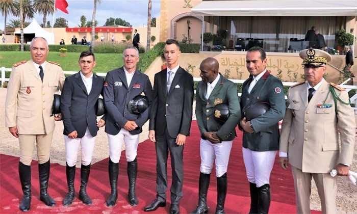 Crown Prince Moulay El Hassan Presents Medals at Grand Prix