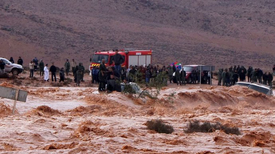 Video of Man Who Saved Two Kids from Floods Happened in Yemen not Morocco