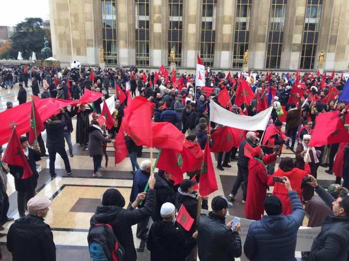 Hundreds of Moroccans in Paris Demonstrate Against Flag Burning