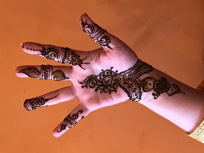 Moroccan Henna: A Symbol of Female Solidarity