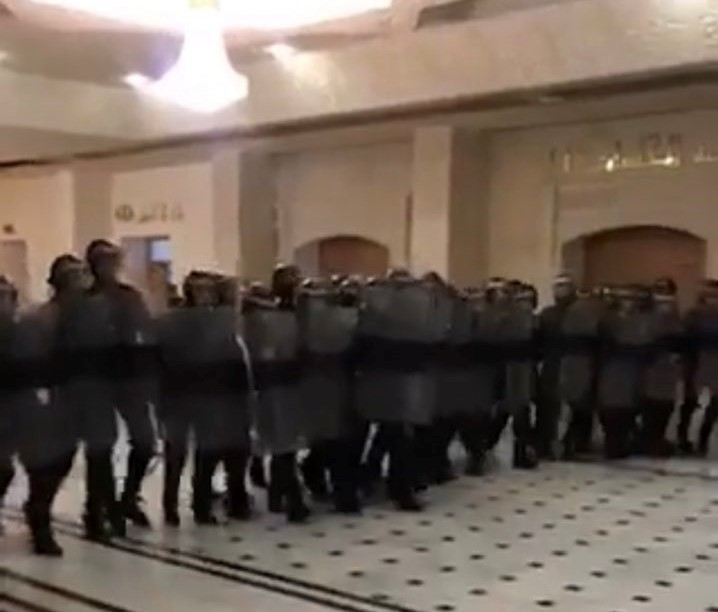 Riot Police Face Off with Protesting Judges in Oran, Algeria