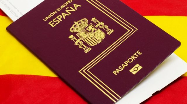 Moroccans Top List of 2018 Citizenship Grants in Spain
