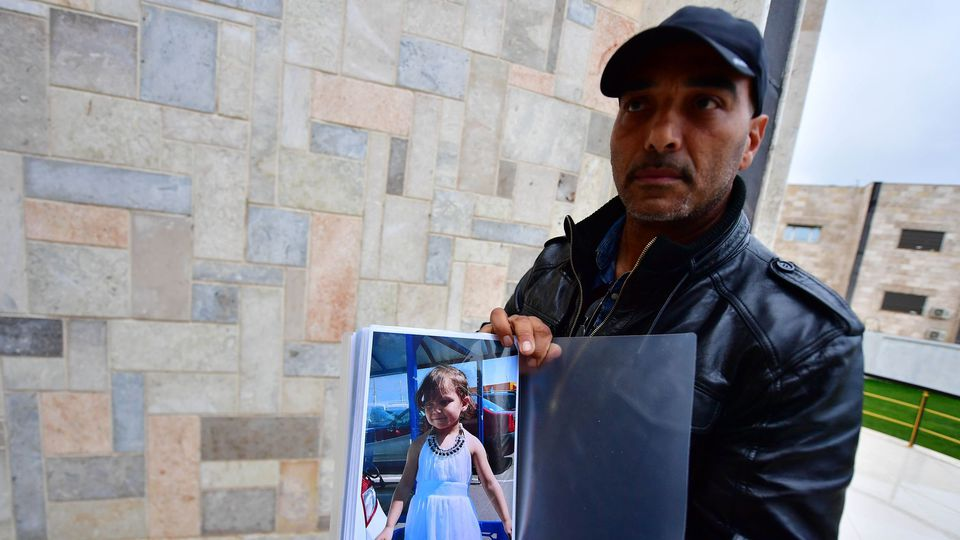 French Court Charges Moroccan Woman with Terrorism, Kidnapping Minors
