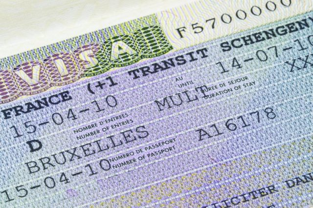 MPs Call for Quick Intervention to End Moroccans' Struggles with Schengen Visa Delays