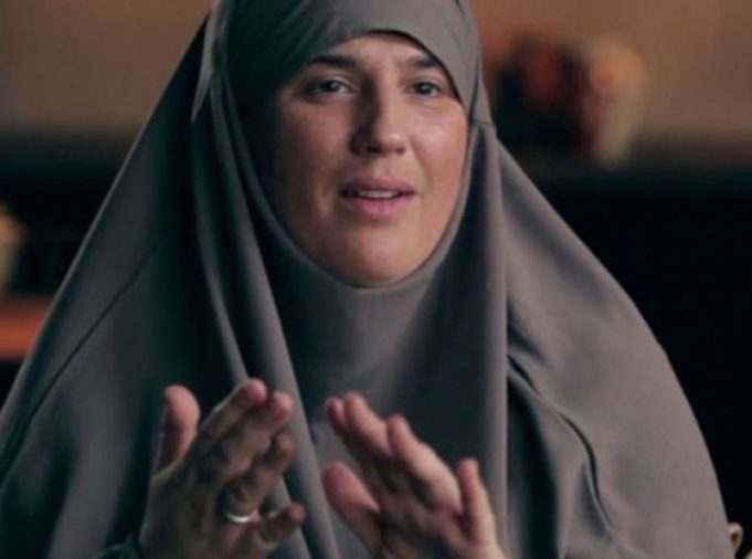 Former French Rapper Diam's Opens Hajj Travel Agency