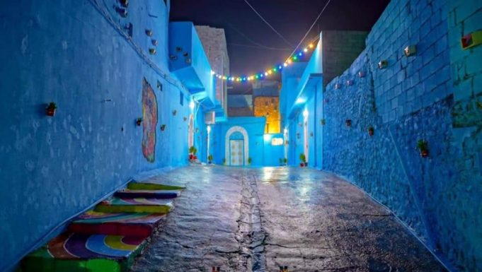 Iraqi Youth Paint Mosul Neighborhood Blue to Emulate Chefchaouen