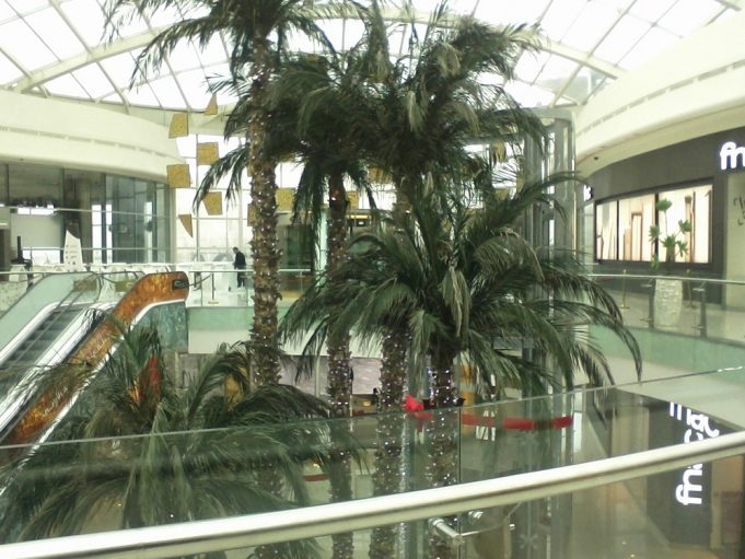 COVID-19 Morocco Mall Shuts Its Doors