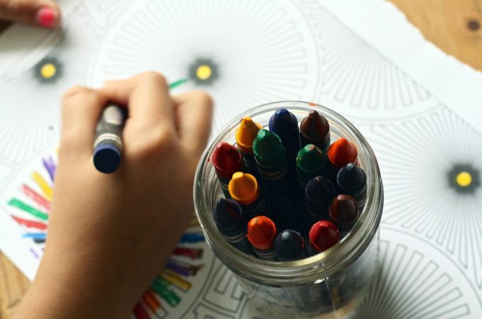 Cost-Free, Mess-Free Ways to Entertain Kids During COVID-19 Lockdown
