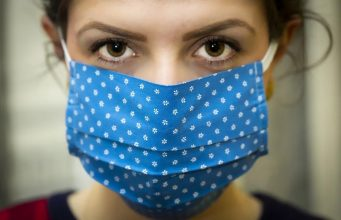 Experts Recommend Moroccans Wear Face Masks to Curb COVID-19 Spread