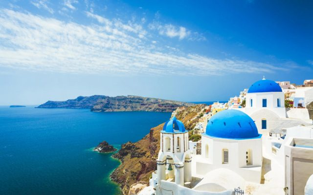 Greece to Impose Social Distancing, Welcome Tourists in Summer 2020