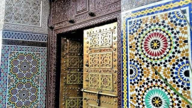 Moroccan Mosaics: A Creative Blend of Art, Nature, and Mathematics