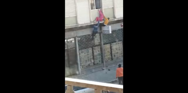 Video: Two Moroccans Scale Building to Rescue Italian Woman From Fall