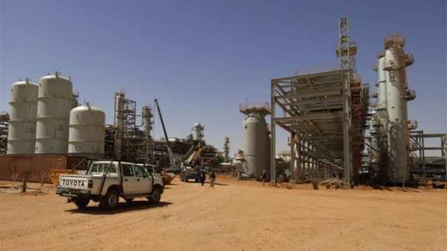 Algeria Slashes National Budget as Oil Prices Plummet