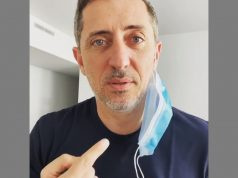 Gad Elmaleh Mocks People Who Don't Put Face Masks Properly