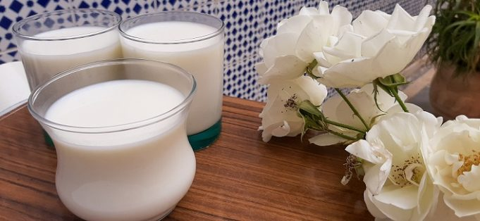 How to Make Moroccan Yogurt-Like 'Rayeb' From Scratch