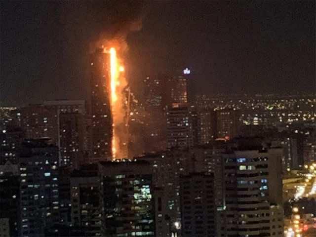 Massive Fire Engulfs UAE Residential Skyscraper