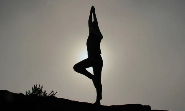 Indian Embassy Invites Moroccan Yoga Enthusiasts to Virtual Sessions