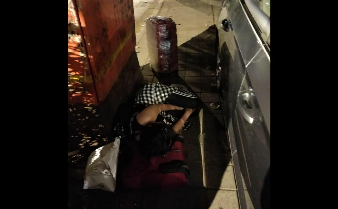 No Options: Moroccan Woman Stranded in India Fears Sleeping in Streets