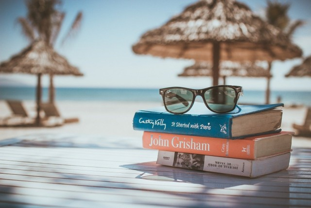 Beach Library Aims to Increase Literacy Among Youth in Morocco