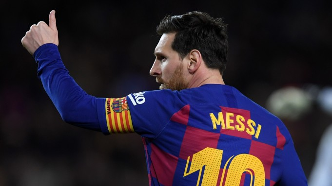 Messi Decides to Stay With FC Barcelona for One More Season