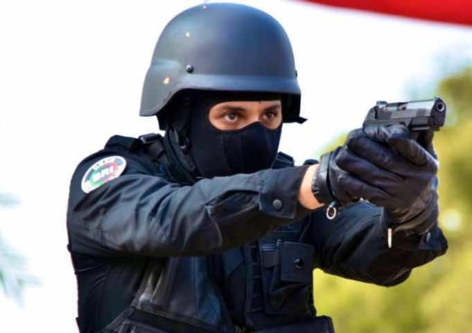 Casablanca Police Officer Fires Weapon to Arrest Violent Criminals