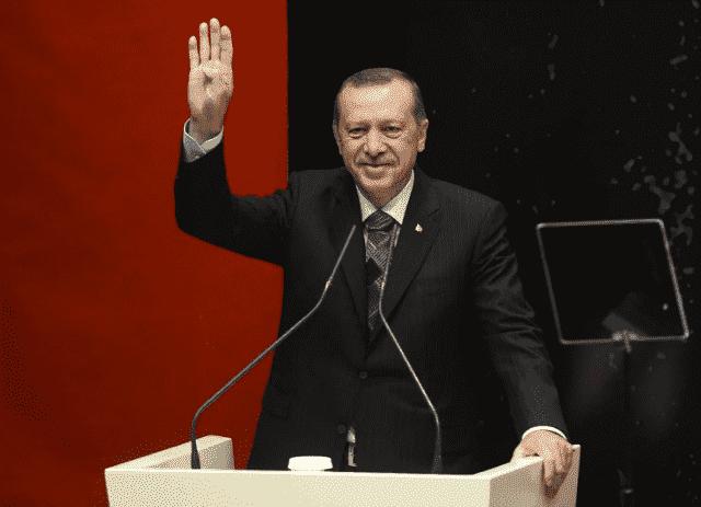 Erdogan Calls on Turks to Boycott French Products
