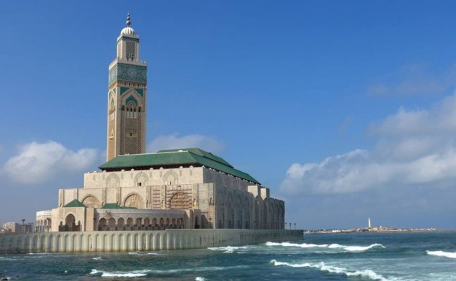 Morocco Allows 10,000 Mosques to Open, Hold Friday Sermons