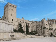 Police Kill Armed Man Who Threatened Public in Avignon, France