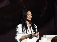 Rihanna Apologizes to Muslims After Using Hadith in Lingerie Show