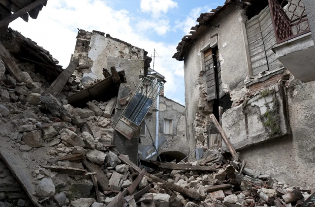 Strong Winds Collapse 2 Houses in Casablanca, No Injuries Reported