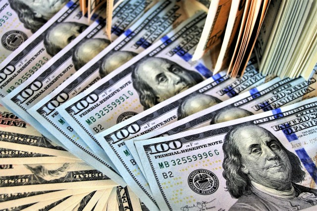 Global FDI Drops by 49%, Morocco Defies Trend With 6% Increase
