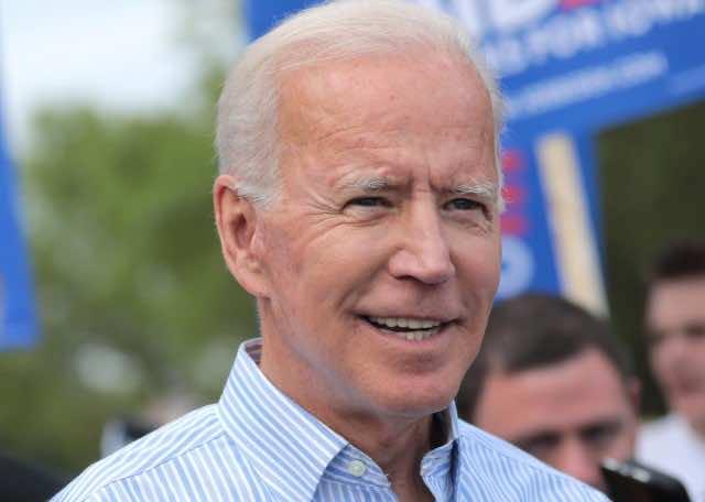Middle East Experts, Former US Ambassadors Endorse Biden for President