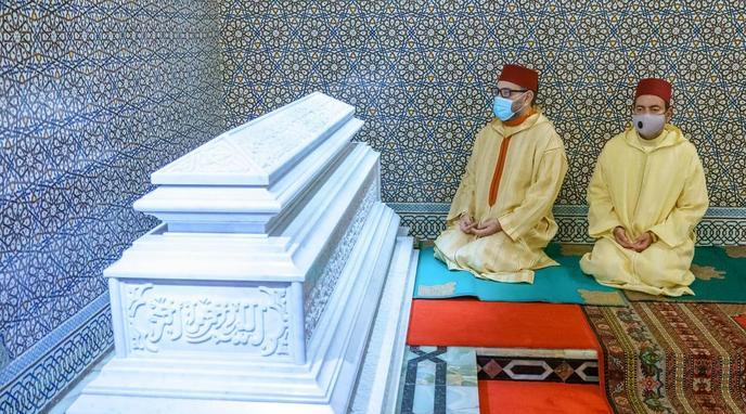 King Mohammed VI, Prince Moulay Rachid Visit Tomb of King Hassan II