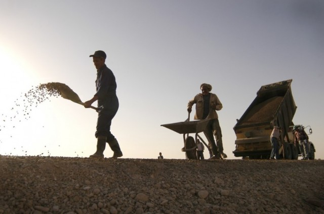 Morocco's CESE Recommends Reducing Taxes for Low-Income Workers