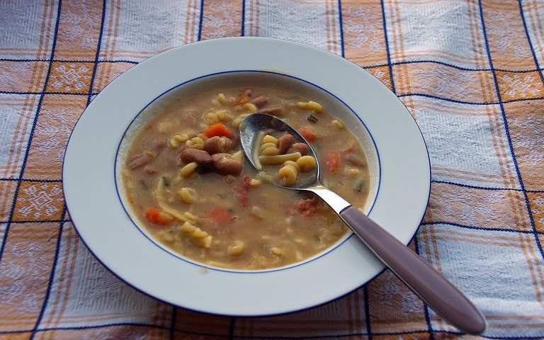 Loubia soup. Photo: Pixabay
