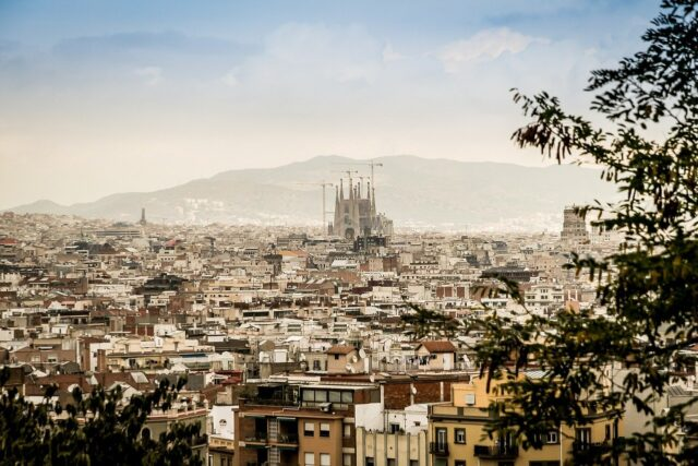 Moroccans Remain Largest Diaspora of Foreign Workers in Spain