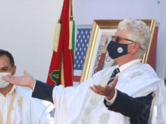 US Officials Wear Sahrawi Traditional Garments to Celebrate Visit to Dakhla
