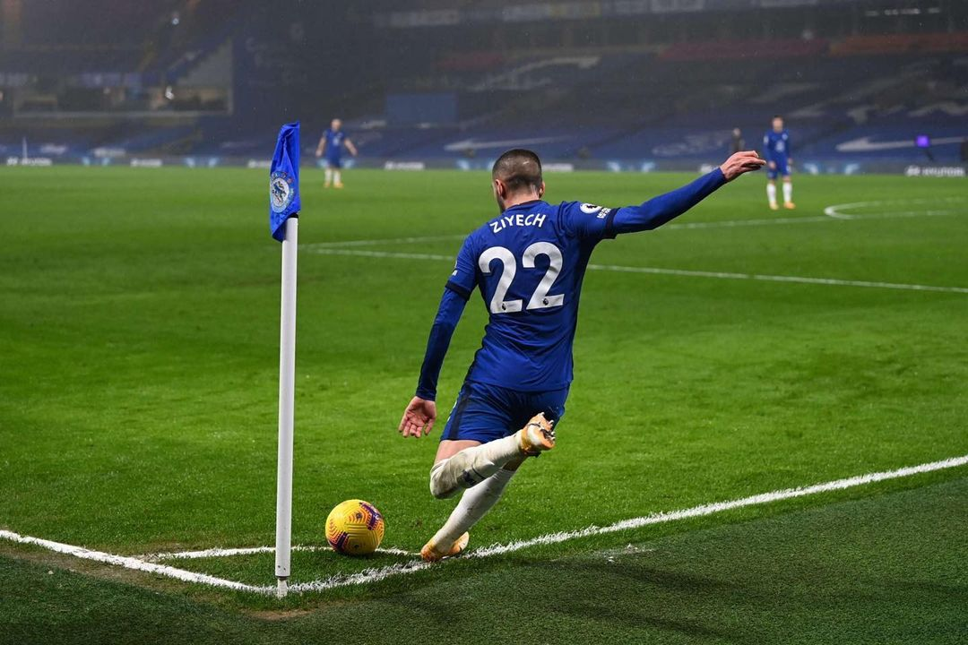'Unsatisfied' Hakim Ziyech Wants to Leave Chelsea FC This Summer