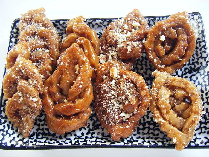 Moroccan street food: Chebakia. Photo: Zouhir