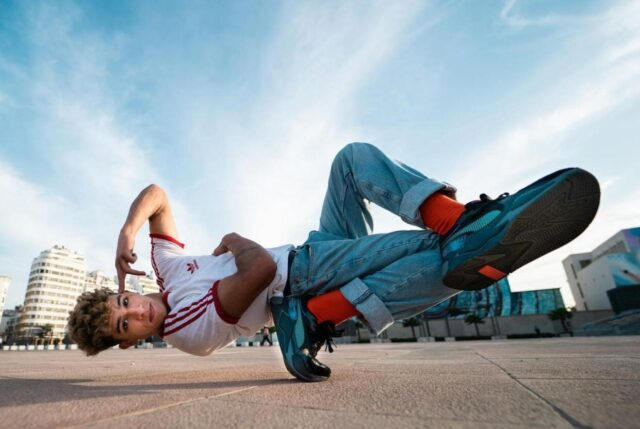 Tarzanisme: Journey of a Professional Moroccan Breakdancer
