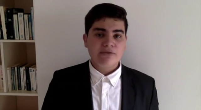 Young Patriot Defends 'Moroccanness' of Sahara, Wins Moroccans' Hearts