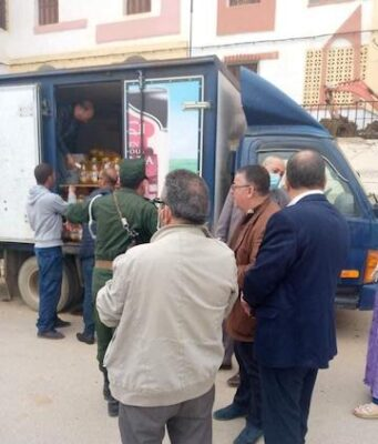 Algerians Line Up for Cooking Oil Bottles Ahead of Ramadan