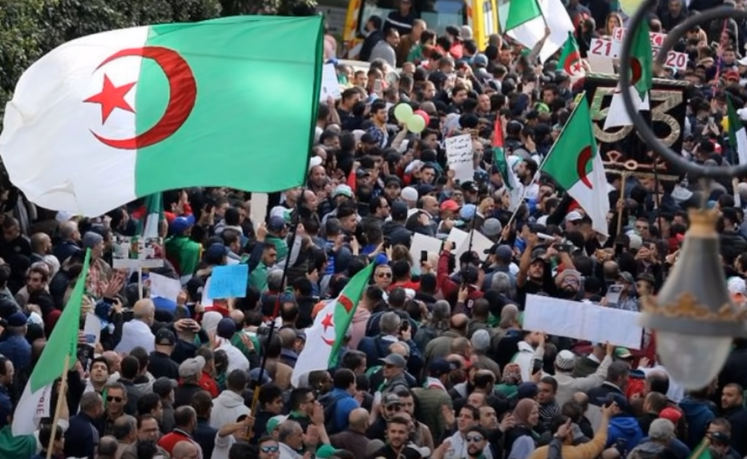 Algeria: Police Violently Crack Down On Large-Scale Hirak Protests